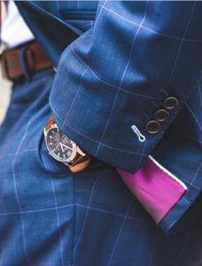 男性スーツポケットの写真