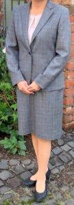 女性スーツスカートの写真