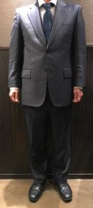 男性スーツの写真